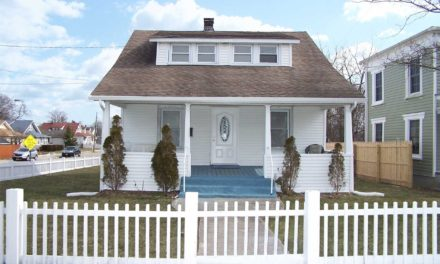 81 Bay Ave,  Patchogue,  NY